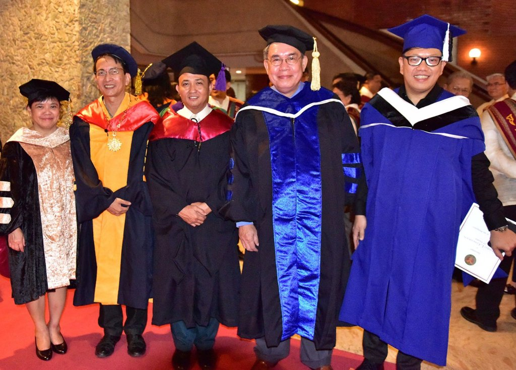From left to right: Vice President for Development Elvira Zamora, UP Diliman Chancellor Michael Tan, Vice President for Legal Affairs Hector Danny Uy, Vice President for Public Affairs Jose Dalisay Jr., and Vice President for Planning and Finance Joselito Florendo. (Photo by Bong Arboleda, UP MPRO)