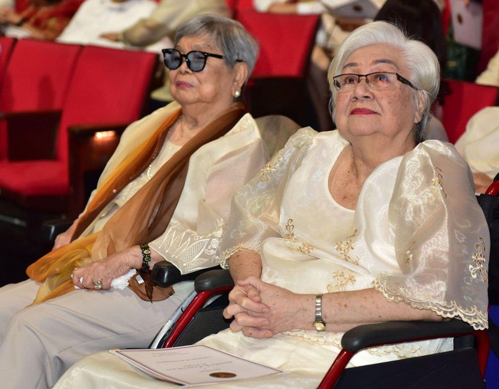 UP President Concepción's mother, Mrs. Natalia Lardizabal Concepción (left), and his mother-in-law, Mrs. Teresita Roldan (Photo by Bong Arboleda, UP MPRO)