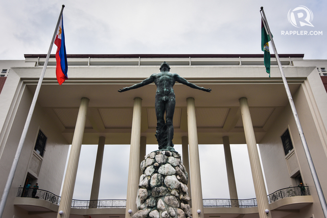 TOP UNIVERSITY. The Oblation sculpture at the University of the Philippines Diliman campus, July 20, 2017. (Photo by LeAnne Jazul/Rappler)