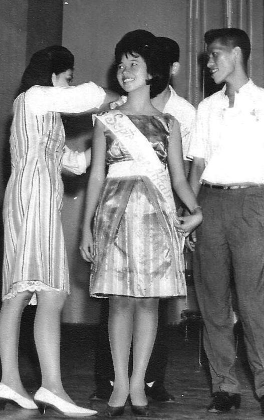 Mimi Cortez, escorted by Larry Yapchiongco, is declared Miss September Affair. (Photo courtesy of Prof. Mimosa Cortez-Ocampo)