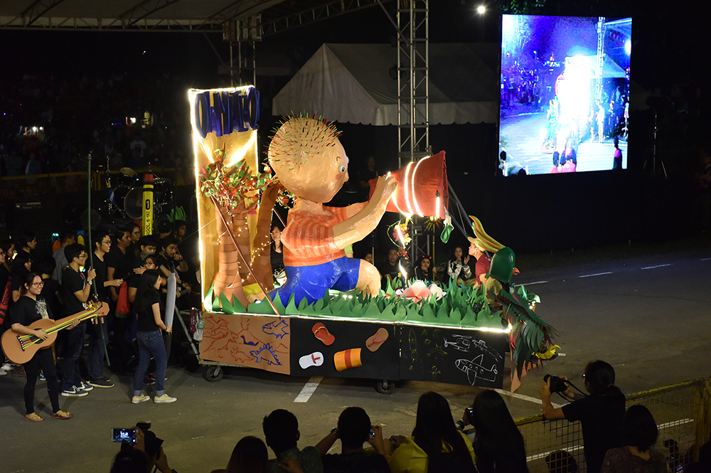 The winning lantern in the College of Fine Arts category, inspired by the child's right to free expression. (Photo by Bong Arboleda, UP MPRO)