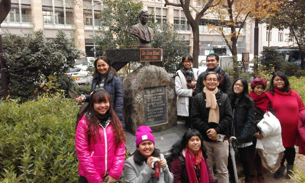 As part of the short stay visit, participants visited iconic/landmark sites including Hibiya Park where the bust of Jose Rizal can be found. The bust also marks the location of Tokyo Hotel. Participants, including Margie Tamayao, a UP Statistics major currently on a one (1) year exchange program in Tsuda College in Japan, pose in front of the National Hero's bust. (Photo from UPCIS)