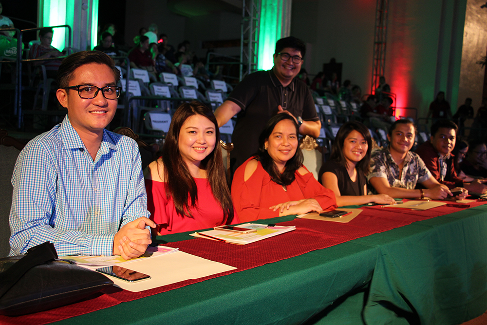 The panel of judges for the lantern contest, with UP Diliman Information Office Director Sir Anril Tiatco. Photo by Jun Madrid, UP MPRO)