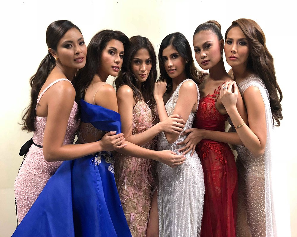 During the Miss Universe 2017 visit in the country with the past Miss Universe-Philippines title holders (Photo courtesy of Venus Raj)