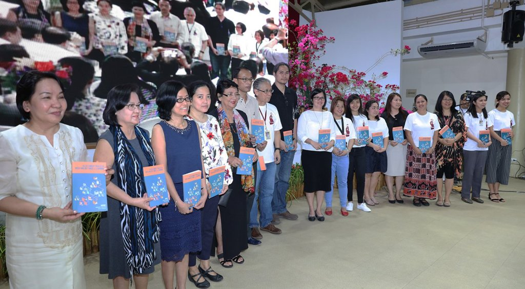 Authors of chapters in Assessment Praxis in Open and Distance eLearning: Thoughts and Practices in UPOU, which was launched during UPOU's anniversary program (Photo by Misael Bacani, UP MPRO)