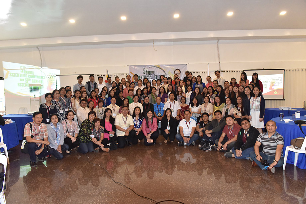 Attendees of the Conference pose for photos. (Photo by Bong Arboleda, UP MPRO)