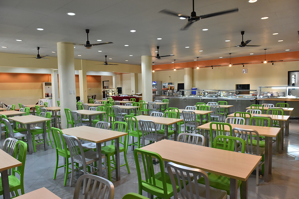 New and improved UFS dining area (Photo by Bong Arboleda, UP MPRO)
