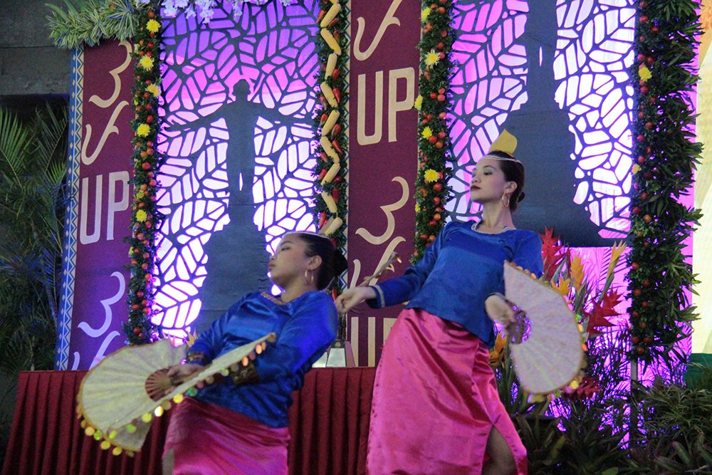 Members of the UP Filipiniana Dance Troupe wowed audiences with their intermission performance. (Photo by Jun Madrid, UP MPRO)