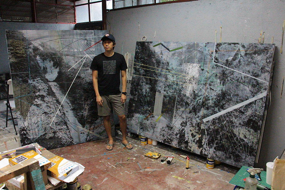At other times, staying indoors, mostly in his studio, he does experimentation of his work. (Photo by Jun Madrid, UP MPRO)