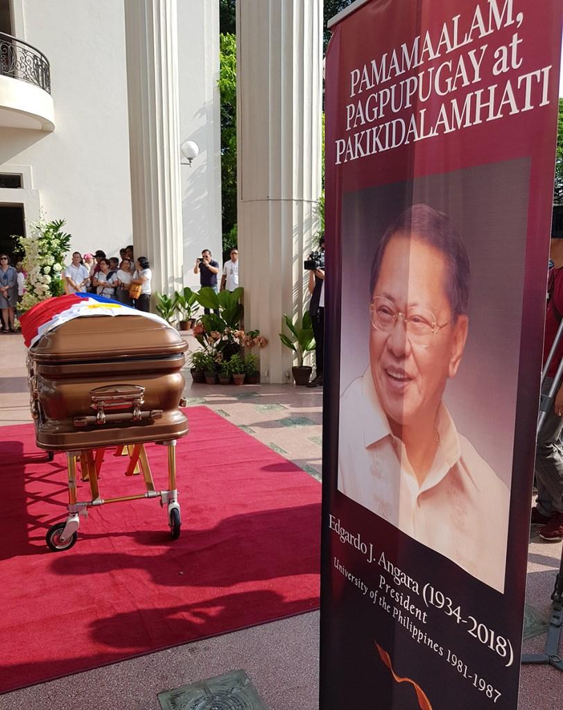 """UP honors its former leader with """"Pamamaalam, Pagpupugay at Pakikidalamhati."""" (Photo by Arlyn Romualdo, UP MPRO)"""