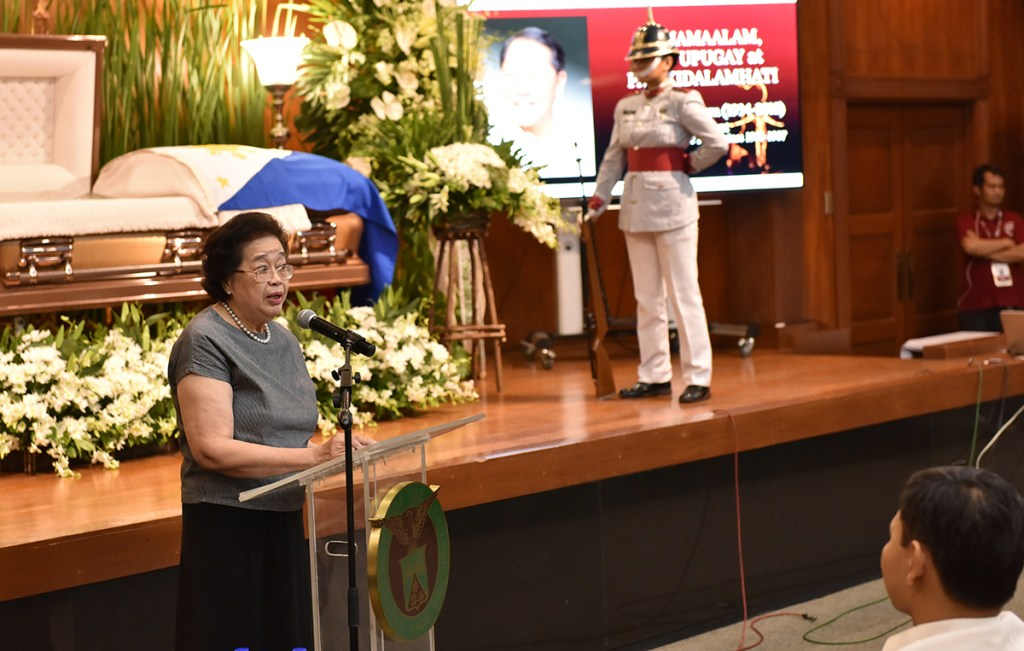 Dr. Emerlinda Roman, who was UP president from 2005 to 2011, recalls how she never hesitated to ask Angara to head the UP Centennial Commission. She describes him as an intuitive person with a deep sense of urgency for getting things done and who never settled for complacency. (Photo by Abraham Arboleda, UP MPRO)