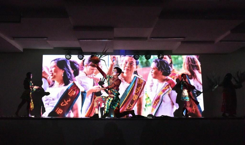 Cultural multimedia performance led by UP Cebu Professor Ligaya Rabago-Visaya.