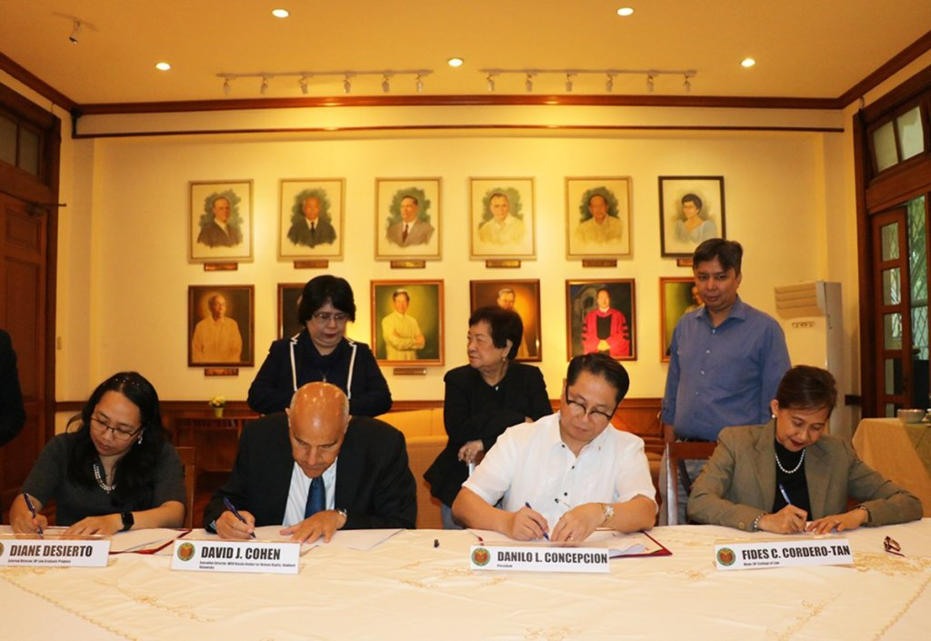 Representatives signing the MOU (L-R): UP Law BGC Program External Executive Director Diane A. Desierto, WSD Handa Center for Human Rights and International Justice at Stanford University Executive Director Prof. David J. Cohen, Ph.D., UP President Danilo L. Concepcion, UP College of Law Dean Fides Cordero-Tan (Photo by Pedro Malicdem Jr., UP College of Law)