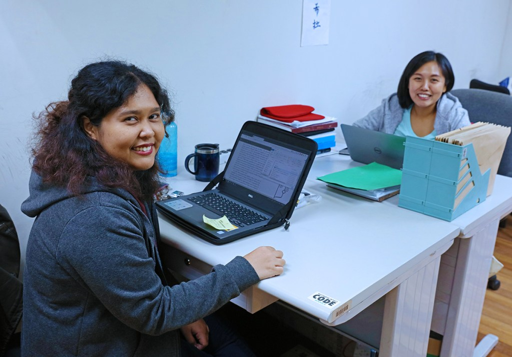 Marylette Roa (left) with friend and fellow UP scientist Iris Diana Uy (right). (Photo by Misael Bacani, UP MPRO)