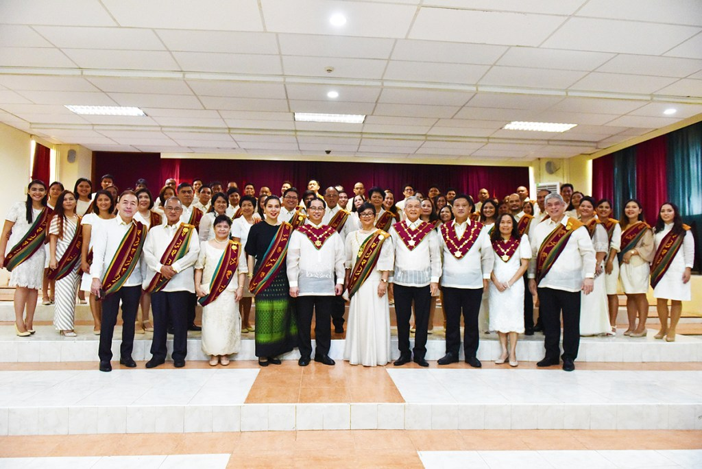 UP officials and faculty led by President Danilo Concepcion (Photo by Rene Estremera, UP Mindanao)