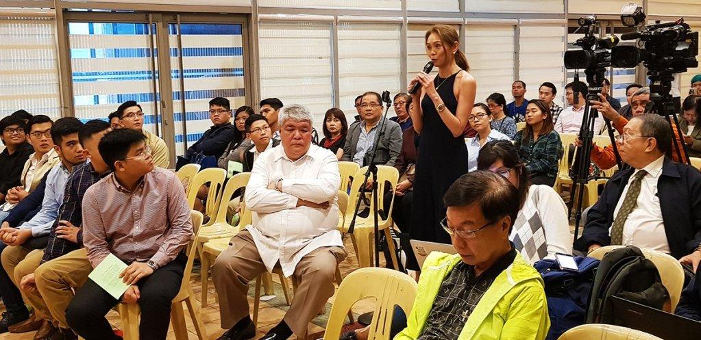 """Kapihan ng Bayan sa UP"""" open forum. (Photo by Jun Madrid, UP MPRO)"""