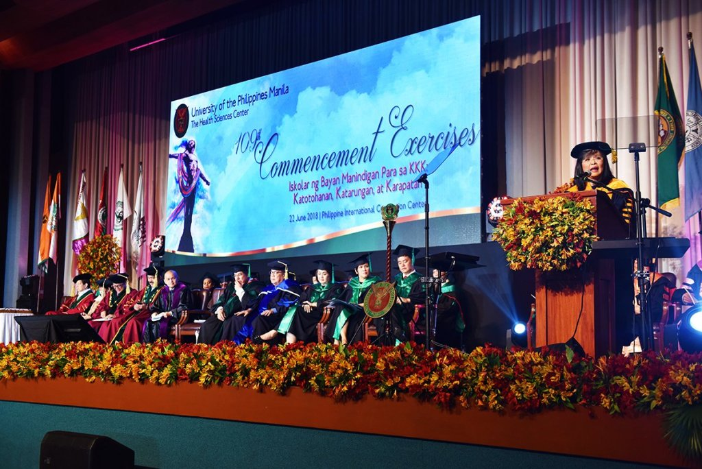 UP Manila Chancellor Carmencita D. Padilla introduces the commencement speaker. (Photo by Abraham Arboleda, UP MPRO)