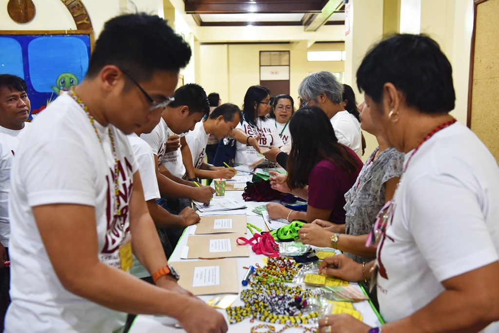 Registration on the first day of the conference proper (Photo by Bong Arboleda, UP MPRO)