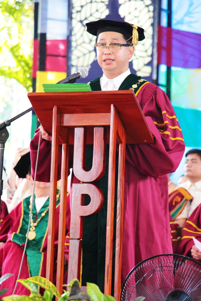 UP President Danilo L. Concepcion confers the degrees and titles earned by the UPLB graduates of 2018. (Photo by Jun Madrid, UP MPRO)