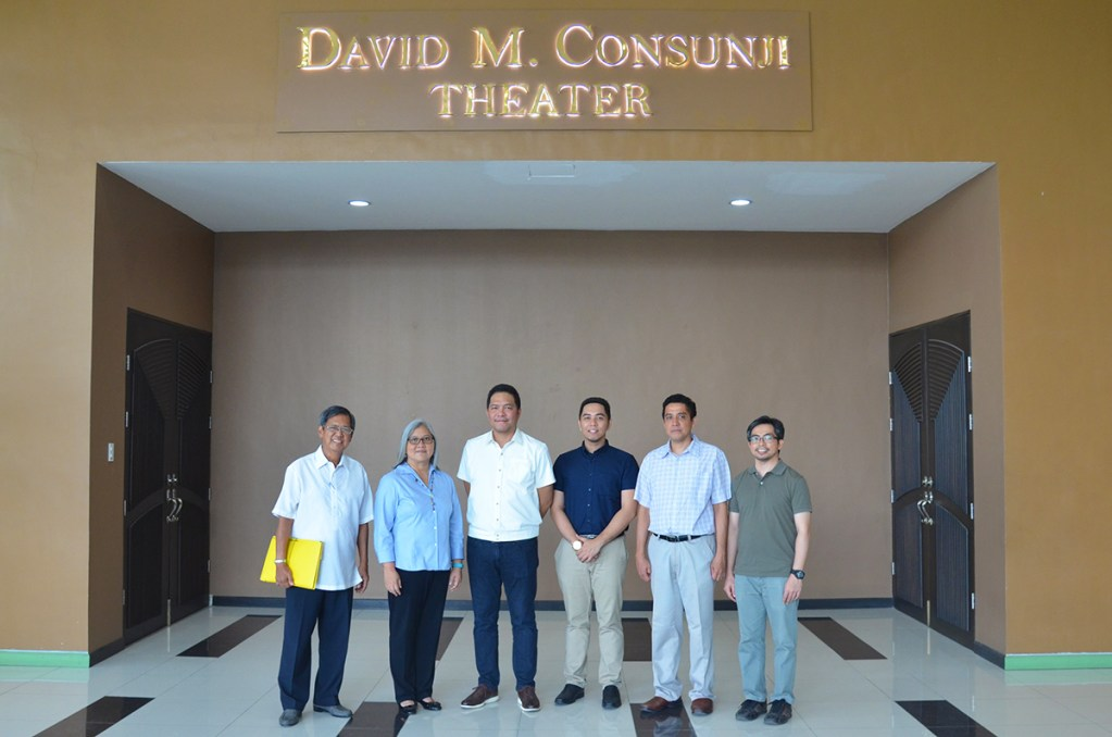 Photo shows (from left to right) UP Engineering Research and Development Foundation, Inc. Executive Director Alfonso Aliga Jr., UP-ICE Director Maria Antonia Tanchuling, DMCI Homes Assistant Vice President for Marketing Jan Venturanza, Deputy Director for Students and Alumni Jaime Angelo Victor, Deputy Director for Academic Affairs Dr. Karl Vergel, and Deputy Director for Planning, Development and Finance Dr. Errol Quinay.