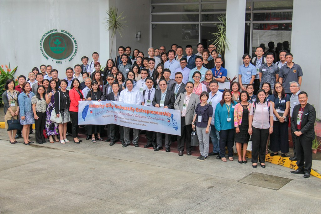 The Southern Taiwanese delegation joins their colleagues from UP for a photo at the Institute of Environmental Science and Meteorology (IESM). (Photo by Jun Madrid, UP MPRO)