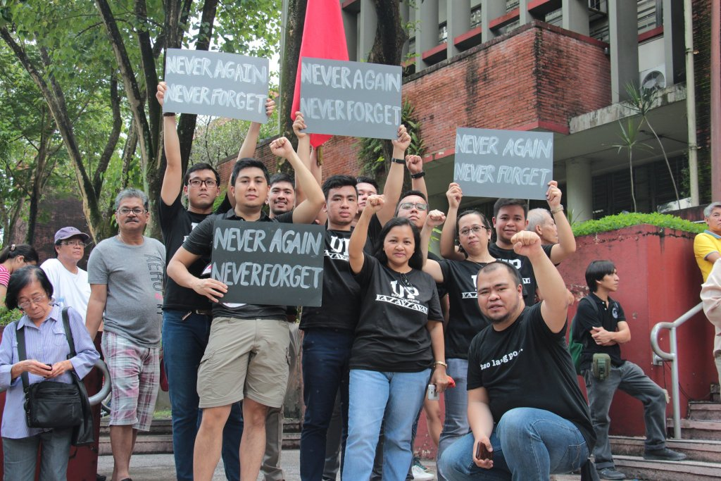 Contingents from the UP Diliman Department of History join their colleagues in UP Day of Remembrance mass actions, as Palma Hall becomes a freedom board for martial law remembrance. Photo by Jun Madrid, UP MPRO