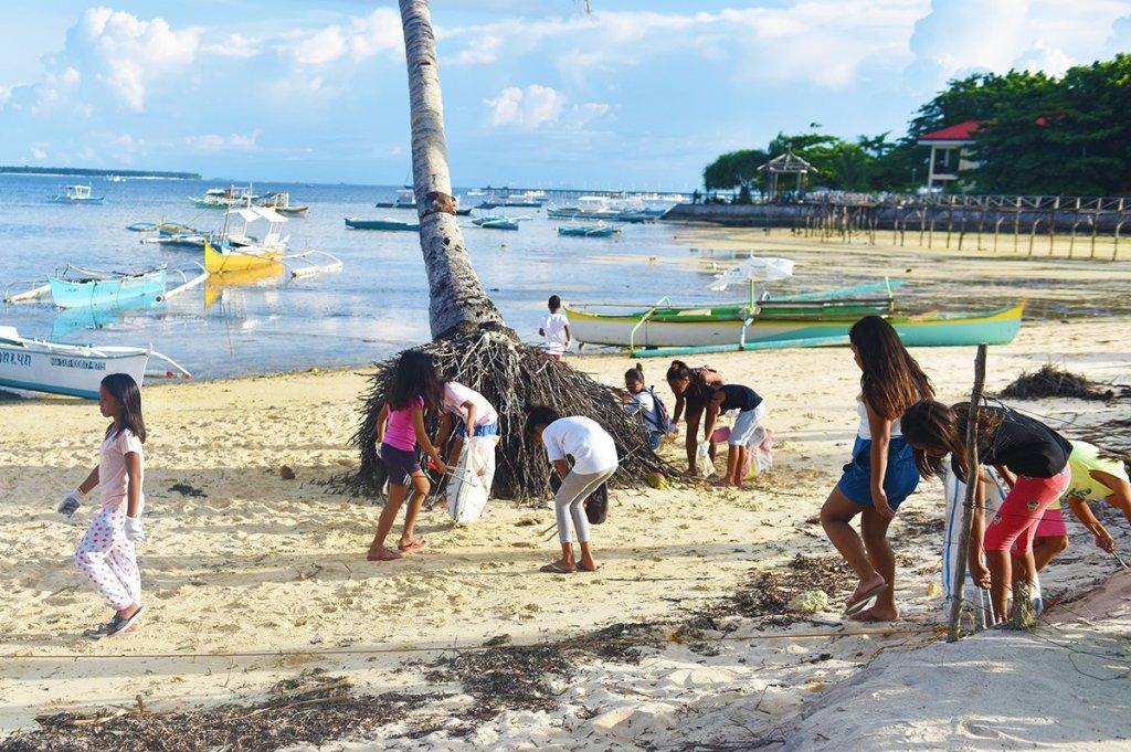 Siargao beach clean up