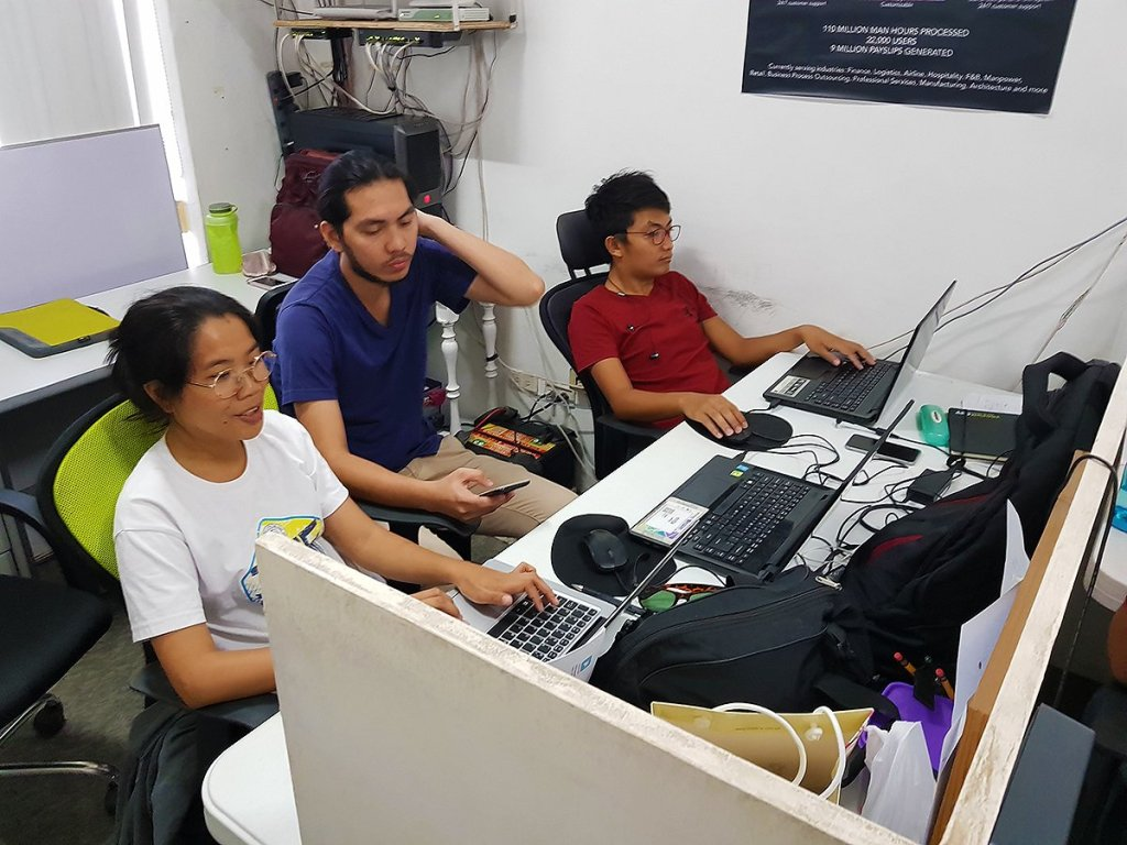 From a small cubicle at the UP CeBuInIT, the Payruler staff began sorting out the human resources of much bigger companies. (Photo by Jun Madrid, UP MPRO)