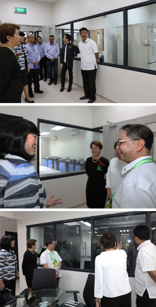 Guests take a tour of the facilities. (Photos by Misael Bacani, UP MPRO)