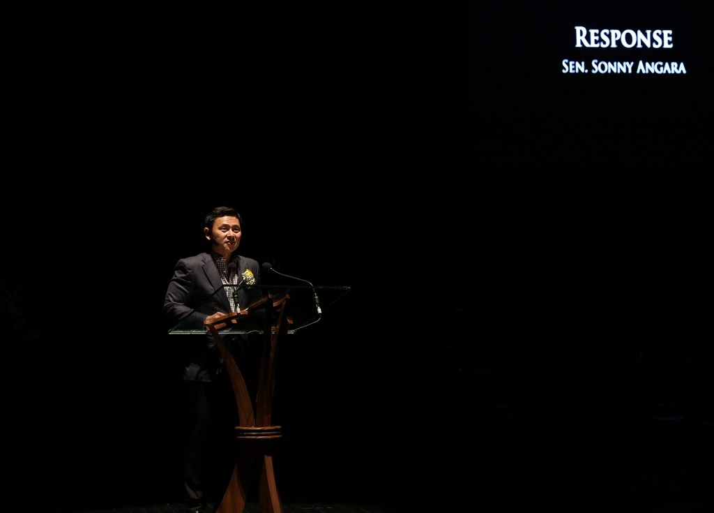 Senator Sonny Angara delivers the response of the Angara family to the tribute. (Photo by Misael Bacani, UP MPRO)