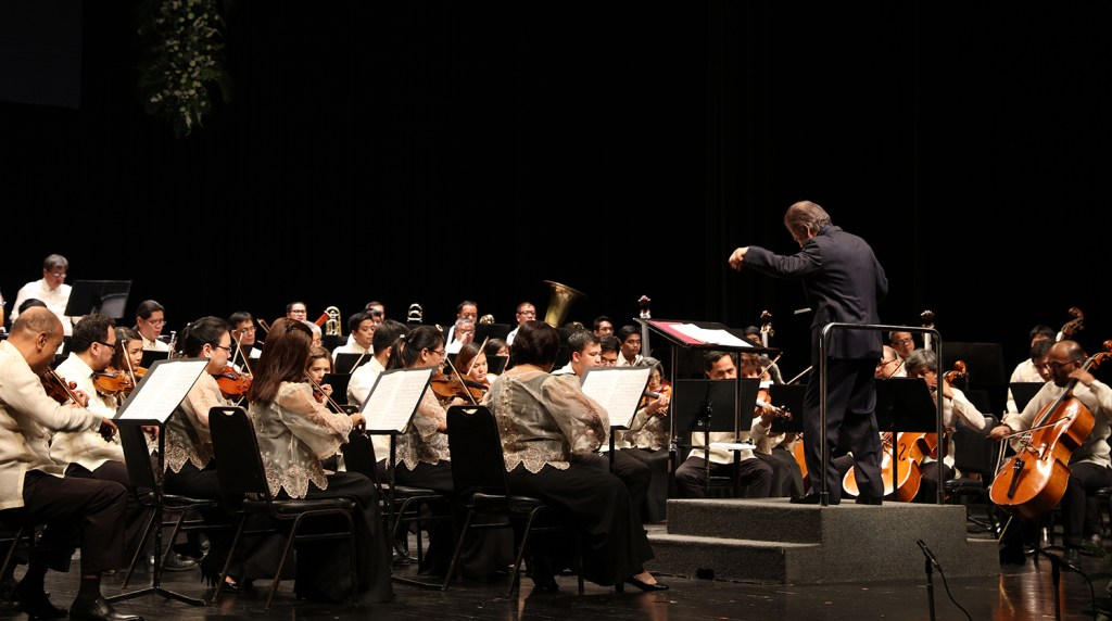 "Maestro Yoshikazu Fukumura conducts the PPO's performance of ""Le Corsaire."" (Photo by Misael Bacani, UP MPRO)"
