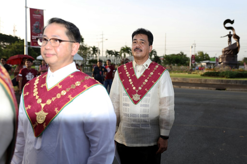 UP President Danilo Concepcion (left) and CHED OIC J. Prospero de Vera III (Photo by Misael Bacani, UP MPRO)