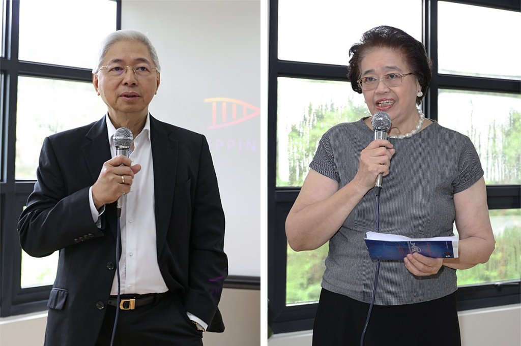 Former UP presidents Alfredo Pascual and Emerlinda Roman (Photo by Misael Bacani, UP MPRO)