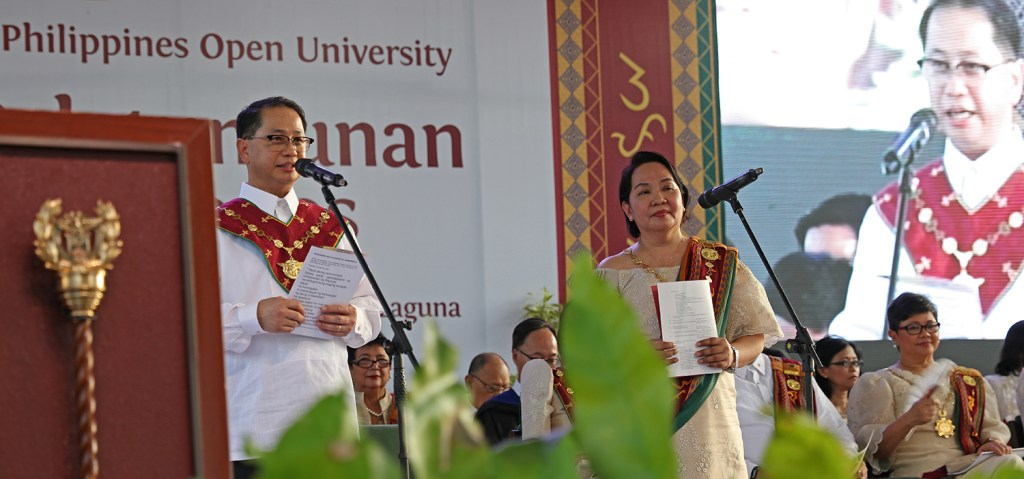 UP President Danilo Concepcion confers the degrees and titles upon the graduates. (Photo by Misael Bacani, UP MPRO)