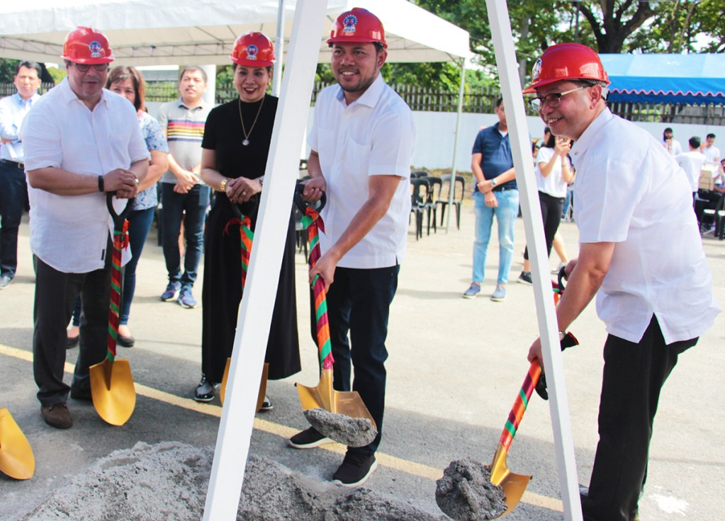 Groundbreaking and laying of the time capsule (Photo by Jun Madrid, UP MPRO)