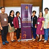 Public service writing fellows undergo workshop