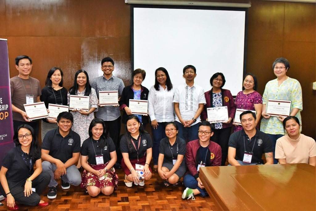 The 2018 writing fellows with the Padayon Public Service Office staff and workshop resource speaker Romulo Baquiran of the UP Diliman Department of Filipino and Philippine Literature. (Photo by Bong Arboleda, UP MPRO)