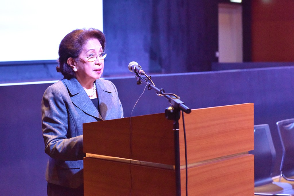 Former Ombudsman Conchita Carpio Morales addresses the trustees and members of Akademyang Filipino for the first time as its chair. (Photo by Bong Arboleda, UP MPRO)