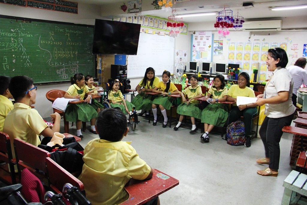 Children find enjoyment in their classes at Silahis ng Kalusugan (Photo courtesy of Cynthia Villamor, UP Manila-IPPAO)
