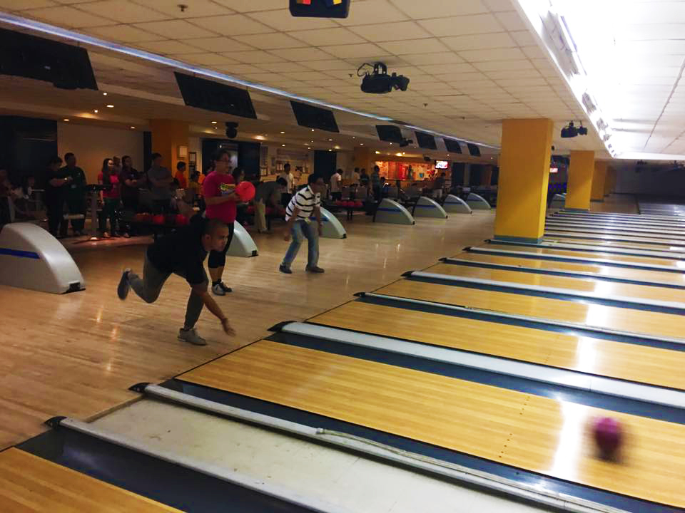The AUPAEU-UP Manila Chapter's Union Cup 2017 featured bowling and darts games for their members. Photos courtesy of the AUPAEU-UP Manila Chapter.