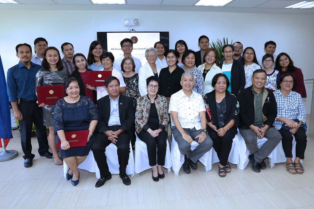 The awardees from UP Los Baños (Photo by Misael Bacani, UP MPRO)