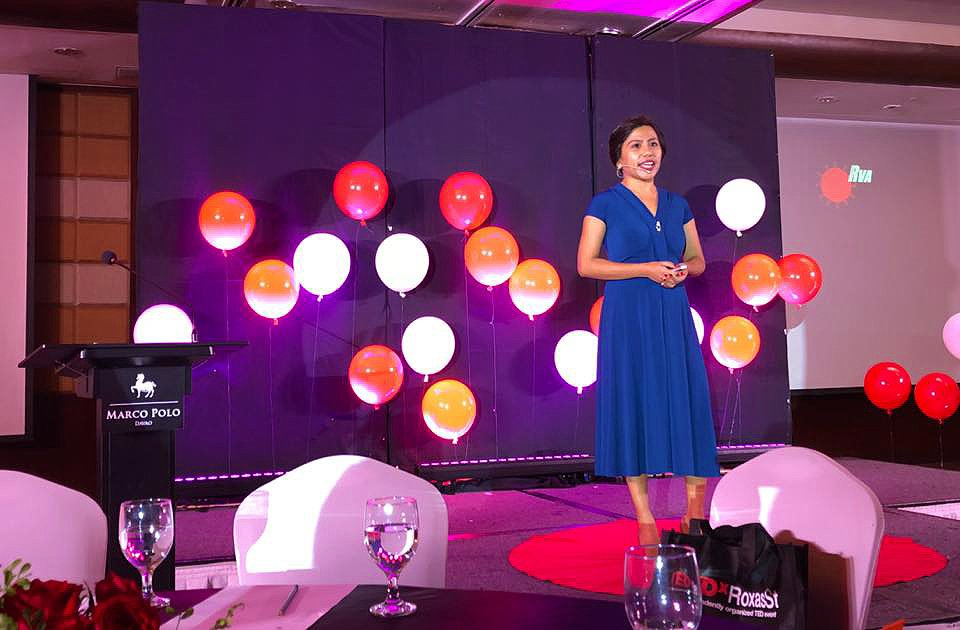 Dr. Lyre Murao speaks at a TEDx event to spread awareness about their research (Photo from TEDxRoxasSt Facebook page)