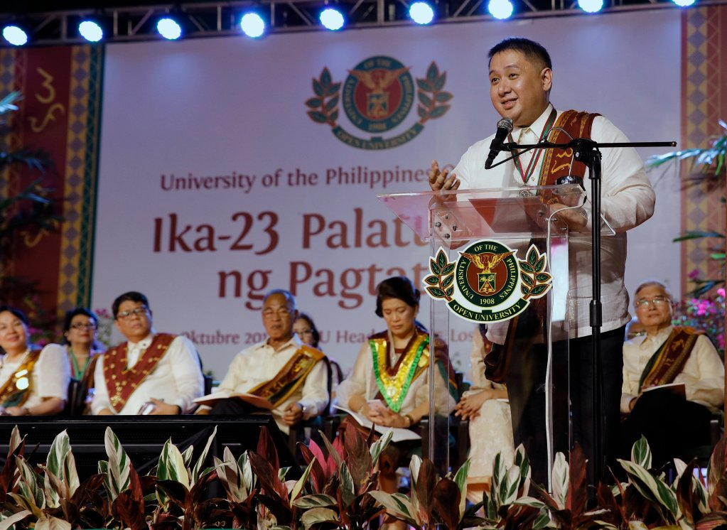 Joey Ramirez (Bachelor of Education Studies, magna cum laude) delivers a message on behalf of the UPOU Class of 2019. (Photo by Misael Bacani, UP MPRO)