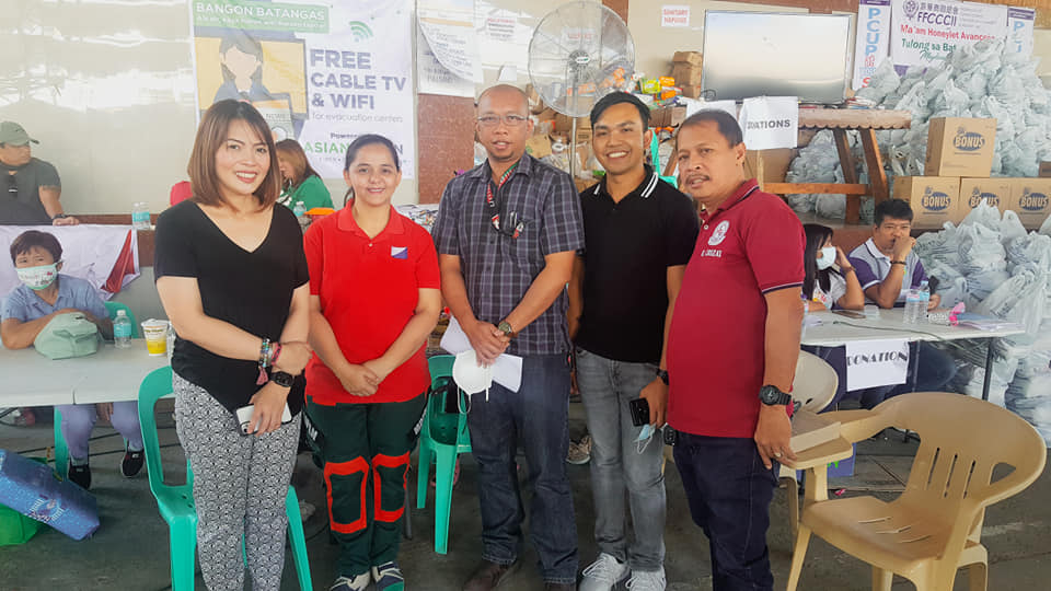 Team members from the UP Los Baños Ugnayan ng Pahinungòd team who did preliminary assessment work in Taal eruption-affected communities last January. Photo by UPLB Ugnayan ng Pahinungod (https://www.facebook.com/UplbUgnayanNgPahinungod/)