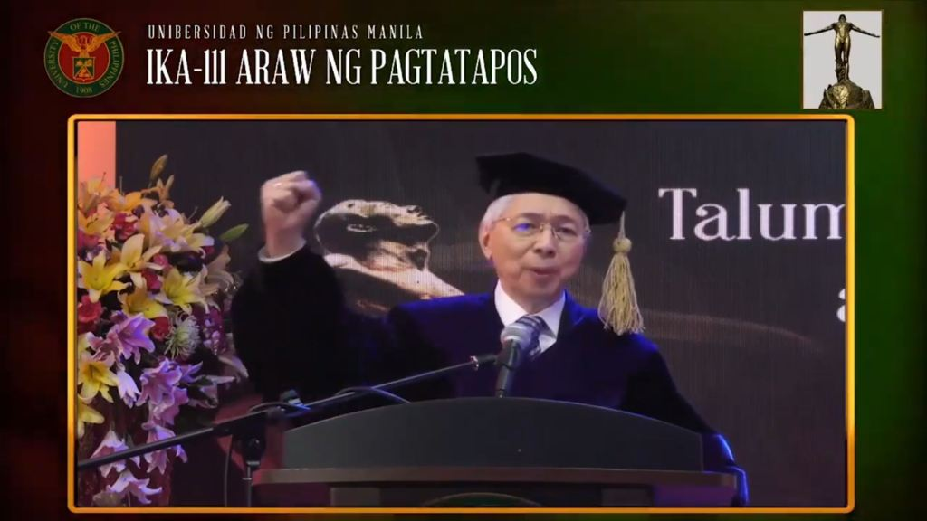 Former UP President Alfredo Pascual exhorts the new graduates to live a life of service by becoming good leaders. Screenshot from the livestream of the UP Manila commencement exercises.